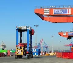 Portalhubwagen - Containertransport, Containerlager Hafen Hamburg - Burchardkai.