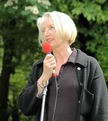 """Helga Obens vom Arbeitskreis """" Bücherverbrennung - Nie wieder!""""  Helga Obens ist eine der Initiatoren des Gedenkplatzes zur Bücherverbrennung. (2011)"""