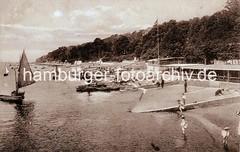 Historisches Bild von Oevelgoenne - Kinder im Wasser, Bootsvermietung - Segelboot.