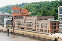 Luftaufnahme vom Altonaer Kaispeicher an der Großen Elbstraße - Altonaer Hafenrand.