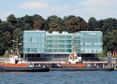 Moderne Architektur Hamburgs - Neubauten am Hafenrand.