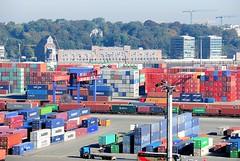 Hamburger Hafen - Bilder von Containern an der Elbe, Speichergebäude.