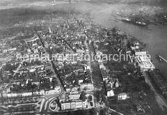 Historisches Luftbild von Hamburg Altona.