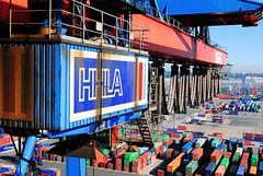 HHLA Containerterminal - Containerbrücke am Burchardkai, Hafen Hamburgs.