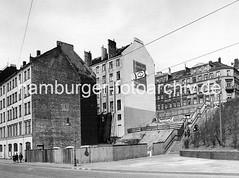 Altes Hamburger Bild von der Hafentreppe an der Hafenstrasse.
