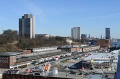 Luftaufnahme der Grossen Elbstrasse - Lagergebäude des Fischhandels. Das Altonaer Kreuzfahrtterminal ist in der letzten Bauphase