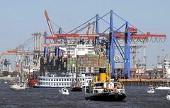 schiffsverkehr-containerterminal_hafengeburtstag