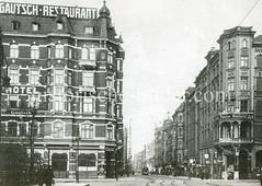 Historische Aufnahme von der Langen Reihe in Hamburg St. Georg; lks. der Spadenteich, re. die Baumeisterstraße.