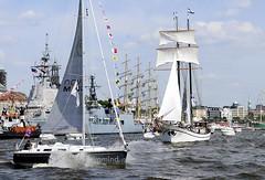 segelschiff-vor-hamburg-st-pauli