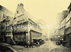 Alte Wohnhäuser und Speicher in der Straße Dovenfleet in der Hamburger Neustadt.