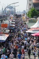 menschenmengen-hafengeburtstag-volksfest-am-baumwall