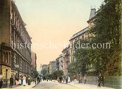 Historische Bilder aus dem Hamburger Stadtteil Borgfelde; Etagenhäuser mit Passanten in der Klaus-Groth-Straße.