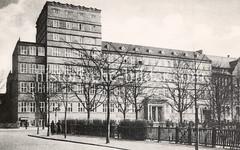Gebäude vom Hamoniabad am Lerchenfeld im Hamburger Stadtteil Uhlenhorst.