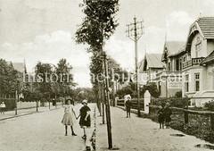 Historische Ansicht der Bahnhofstraße in Hamburg Eidelstedt, jetzt Reichsbahnstraße.