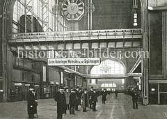 Altes Bild von der Wandelhalle im Hauptbahnhof in Hamburg St. Georg.
