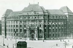 Das Gebäude der ehemaligen Oberfinanzdirektion ist am  Rödingsmarkt  Hamburger Altstadt.
