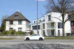 Fotos aus dem Hamburger Stadtteil Niendorf, Bezirk Eimsbüttel; Wohnhäuser an der Friedrich Ebert Straße.
