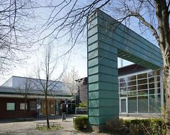 Fotos aus dem Hamburger Stadtteil Niendorf, Bezirk Eimsbüttel; Eingang Bäderland Bondenwald.