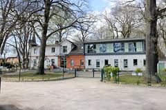 Fotos aus dem Hamburger Stadtteil Groß Borstel, Bezirk Hamburg Nord; ehem. Gasthaus am Borsteler Jäger, jetzt Kindertagesstätte.