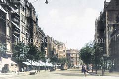 Blick in die historische Wandsbeker Chaussee; Geschäfte mit Markisen - Straßenbahn, Radfahrer und Autos.