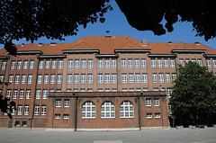 In der Schule Bullenhuser Damm wurden am 21. April 1945 von der SS zwanzig Kinder ermordet