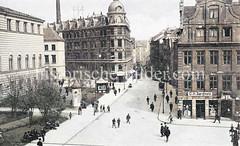Blick vom Alten Fischmarkt in der Hamburger Altstadt zum Schopenstehl; lks. das Johanneum.