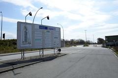 Bilder aus dem Kleinen Grasbrook, Stadtteil in Hamburg -  Übersee Zentrum; Schild mit ehem. ansässigen Firmen.