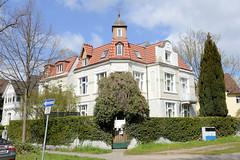 Fotos aus dem Hamburger Stadtteil Groß Borstel, Bezirk Hamburg Nord, Jugendstilvilla.