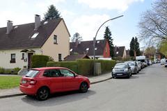 Fotos aus dem Hamburger Stadtteil Groß Borstel, Bezirk Hamburg Nord; Siedlungshäuser, Reihenhäuser im Stutzenkamp.