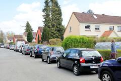 Fotos aus dem Hamburger Stadtteil Groß Borstel, Bezirk Hamburg Nord ; Siedlungshäuser, Reihenhäuser im Stutzenkamp.