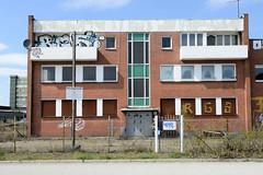 Bilder aus dem Kleinen Grasbrook, Stadtteil in Hamburg -  Übersee Zentrum; leerstehendes Verwaltungsgebäude.