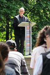 Hamburg liest gegen das Vergessen - Platz der Bücherverbrennung. Der Schauspieler Rolf Becker bei der Marathonlesung