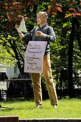 Lesemarathon gegen das Vergessen am Gedenkplatz der Bücherverbrennung am Kaiser Friedrich Ufer in Hamburg Eimsbüttel. (2008)