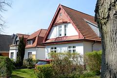 Fotos aus dem Hamburger Stadtteil Niendorf, Bezirk Eimsbüttel; Wohnhäuser, Einzelhäuser im Bindfeldweg.