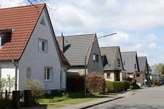 Fotos aus dem Hamburger Stadtteil Groß Borstel, Bezirk Hamburg Nord; Einzelhäuser mit Satteldach, Schreberstraße.
