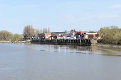 Bilder aus dem Kleinen Grasbrook, Stadtteil in Hamburg -  Saalehafen; Containerlager am Halleschen Ufer.