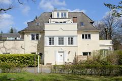Fotos aus dem Hamburger Stadtteil Groß Borstel, Bezirk Hamburg Nord; expressionister Baustil - Villa am Licentiatenberg.