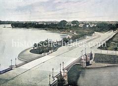 Blick über die Schwanenwikbrücke Richtung Schöne Aussicht an der Aussenalster in Hamburg Uhlenhorst.