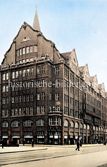 Blick auf das Rappoldhaus in der Hamburger Mönckebergstraße ca. 1925 - das Gebäude wurde 1912 errichtet, Architekt Fritz Höger.