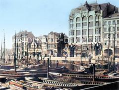 Historische Ansicht vom Hamburger Binnenhafen Höhe Schaartorbrücke - Blick auf das Kontorhaus Elbhof am Steinhöft, errichtet 1905 - Architekt Walter Martens.