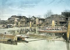 Historische Ansicht vom Stadtdeich in Hamburg Hammberbrook - Holzhäuser stehen in der Nähe des Deichhafens in Wassernähe, ca. 1880.
