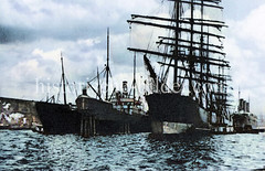 Segelschiffe, Frachtschiffe liegen an den Dalben in der Hamburger Norderelbe vor dem Kirchenpauerkai   (ca. 1923).