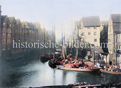 Wohnhäuser / Speicher am Dovenfleet in der Hamburger Alststadt; Schuten mit Ladung am Steg.