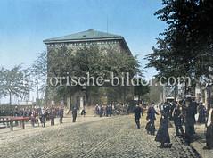 Englisch reformierte Kirche am Johannisbollwerk / Vorsetzen, eingeweiht 1826 - im Hintergrund Schiffsmasten am Niederhafen.