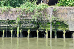 Alte Kaianlage am Reiherstieg in Hamburg Wilhelmsburg.
