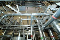Die Müllverwertungsanlage an der Borsigstrasse in Hamburg Billbrook wurde 1931 in Betrieb genommen und ersetzte die stillgelegte Anlage am Bullerdeich. Wirrwarr' von Metallrohren im 2006 errichteten Hamburger Biomasse- Heizkraftwerk Borsigstrasse.