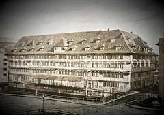Alte Kaserne am Wandrahm, errichtet 1661, später Kornhaus auf dem Hamburger Brook - Abriss 1871.
