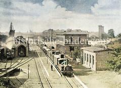 Historische Ansicht vom Hamburger Klostertorbahnhof - lks. ein Lokschuppen mit Drehscheibe; im Hintergrund die Zinnentürme vom Empfangsgebäude vom Berliner Bahnhof am Deichtorplatz.
