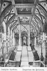 Historisches Foto von Budapest (ca. 1900); Treppenhaus Parlament.