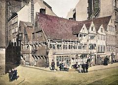 Historische Ansicht vom Dovenfleet / Ecke Lembktentwiete in der Hamburger Altstadt um 1880; Fachwerkhäuser / Wohnhäuser mit Geschäften - Schuh-Handlung, Fettwaren; Schornsteine für die Kohleöfen.